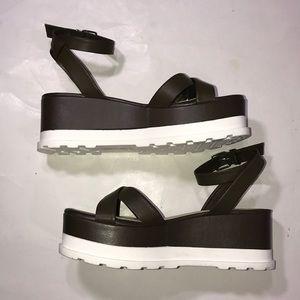 NWT Gianni Bini sandals